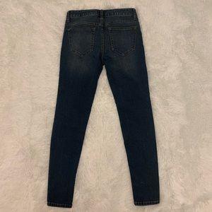 Free People Jeans - Free people distressed knee straight skinny leg